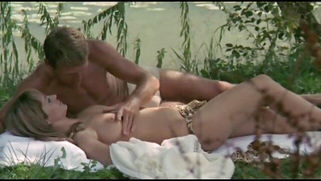 Porno gratis sin registro  Sexy rubia obtiene su coño lamido y sexo en español latino jodido