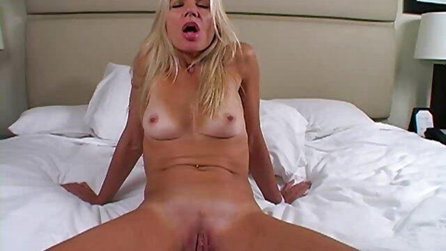 Porno gratis sin registro  Chicas femdom tiran videos porno gratis en latino de su pequeña polla