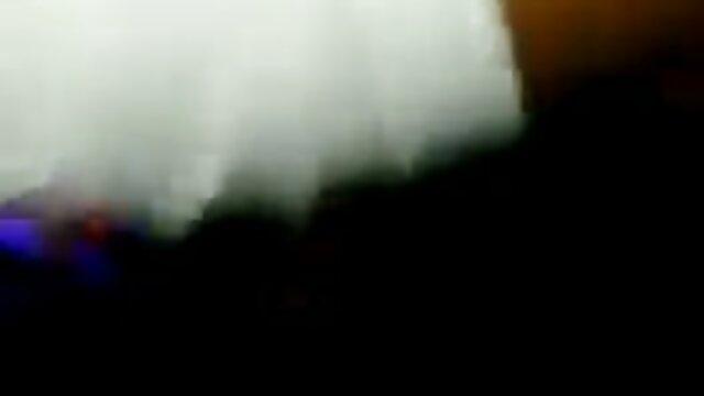 Porno gratis sin registro  Chico cazó a una chica para follar videos xxx con audio latino