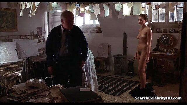 Porno gratis sin registro  Hermoso video porno con Mirabella porno español latino hd e Ilana en trío