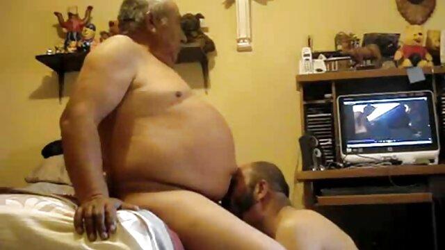 Porno gratis sin registro  Folla su coño chorros y ordeña xxx gratis latino sus tetas