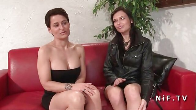 Porno gratis sin registro  Esposa de tetas grandes se folla a un extraño sexo latino español mientras su esposo mira por PACKMANS