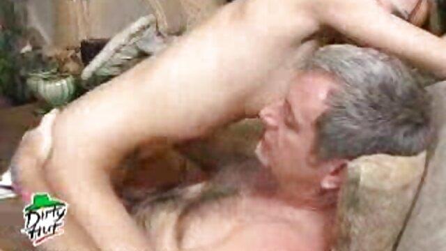 Porno gratis sin registro  2 lesbianas peludas disfrutando de sexo latino español sus cuerpos peludos