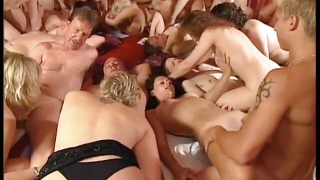 Porno gratis sin registro  Suzie Carina y Nicky tienen un trío en el gimnasio videos sexo audio latino