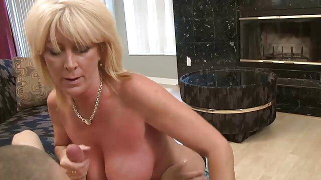 Porno gratis sin registro  La tía Nina despierta NO a su sexo xxx español latino sobrino ...