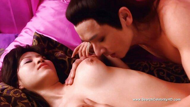 Porno gratis sin registro  con los ojos vendados novia 3 trío sexo en audio latino