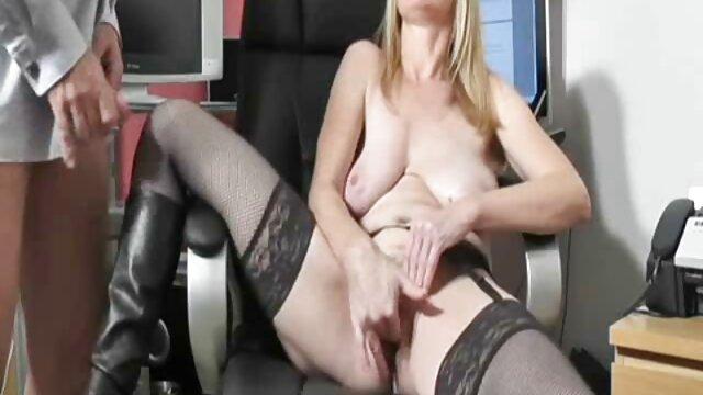 Porno gratis sin registro  Miko Lee y Charmane - Escena de sexo videos de sexo gratis en español latino lésbico