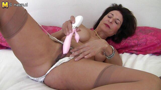 Porno gratis sin registro  BLACKED sexo en español latino ¡La rubia Addison Belgium eyacula sobre una enorme polla negra!