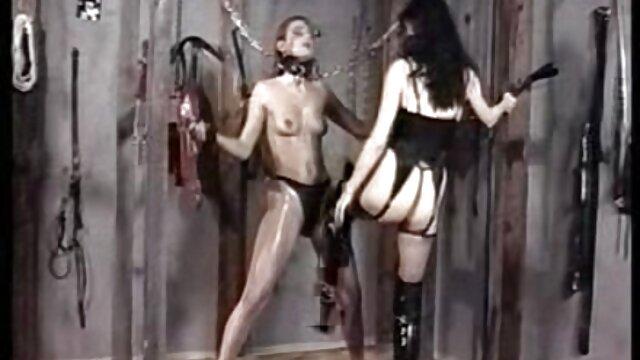 Porno gratis sin registro  Chica puño y sexo español online follada al mismo tiempo