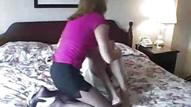 Porno gratis sin registro  Sexy gordito MILF seducido por sexo gratis en español latino feo viejo profesor