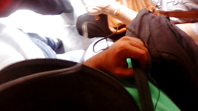 Porno gratis sin registro  MILF perforada con anillos pesados en el coño sexo por dinero español latino sexo anal