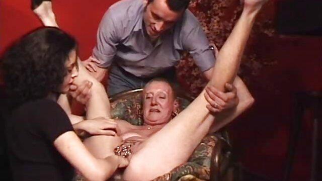 Porno gratis sin registro  Esposa rubia es follada por dos sementales delante anime porno español latino de su marido