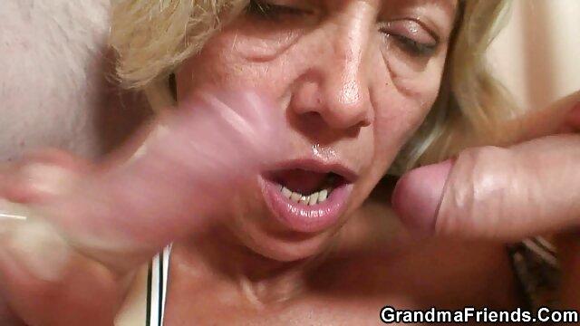 Porno gratis sin registro  Maravillosa rubia sexo en español latino xxx jugando con una botella