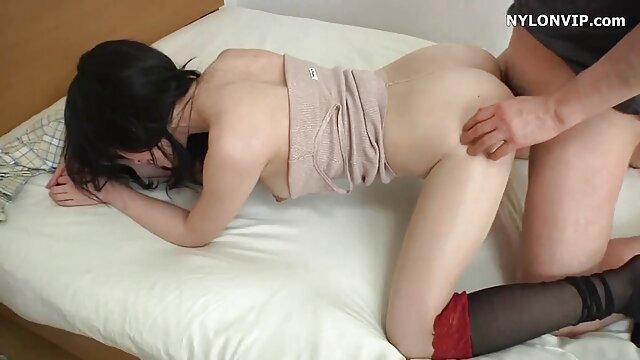 Porno gratis sin registro  3 damas maduras en grupos de sexo con sexo hd latino un chico más joven parte 3
