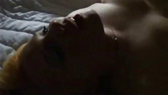 Porno gratis sin registro  Talentosas habilidades de garganta profunda de Gia Dimarcos sexo latino español