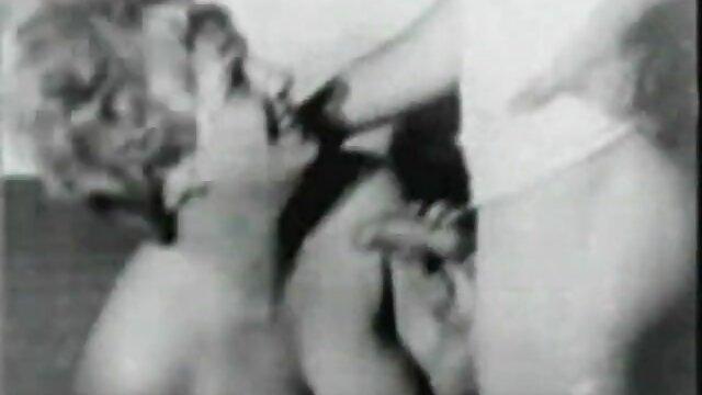 Porno gratis sin registro  Madura rubia y morena porno español latino hd dando la cabeza y siendo follada