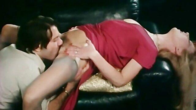 Porno gratis sin registro  Lesbianas trío fisting xnxxx en español latino fiesta