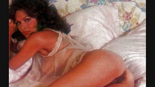 Porno gratis sin registro  Hermosa jovencita de grandes audio latino xxx tetas