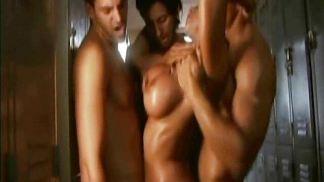 Porno gratis sin registro  Lesbain asunto en un tejado porno anime audio latino