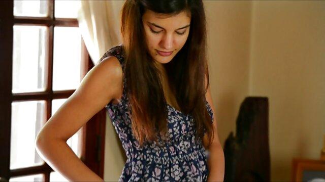 Porno gratis sin registro  Jóvenes cortesanas: sexo español online una pequeña cita sexual es pagada